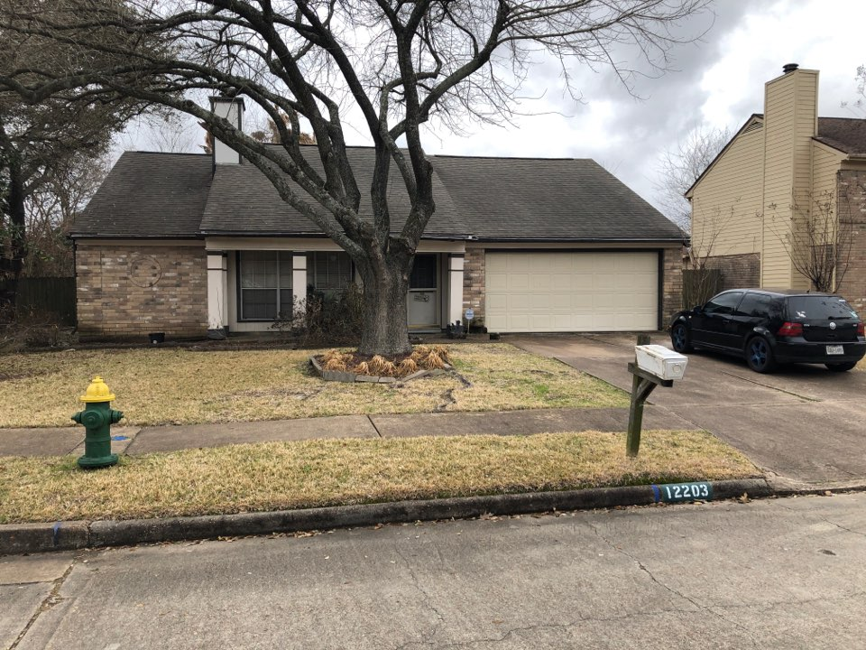 Houston, TX - Doing a 26 square roofWith deck armor underlayment as well as radiant barrier with a GAF timberline HD Z shingle In the 290 area of Houston texas