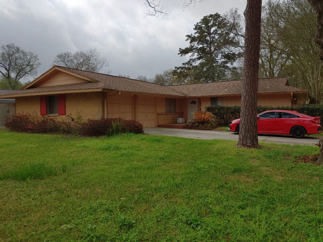 Houston, TX - Customer purchasing a GAF replacement roof.