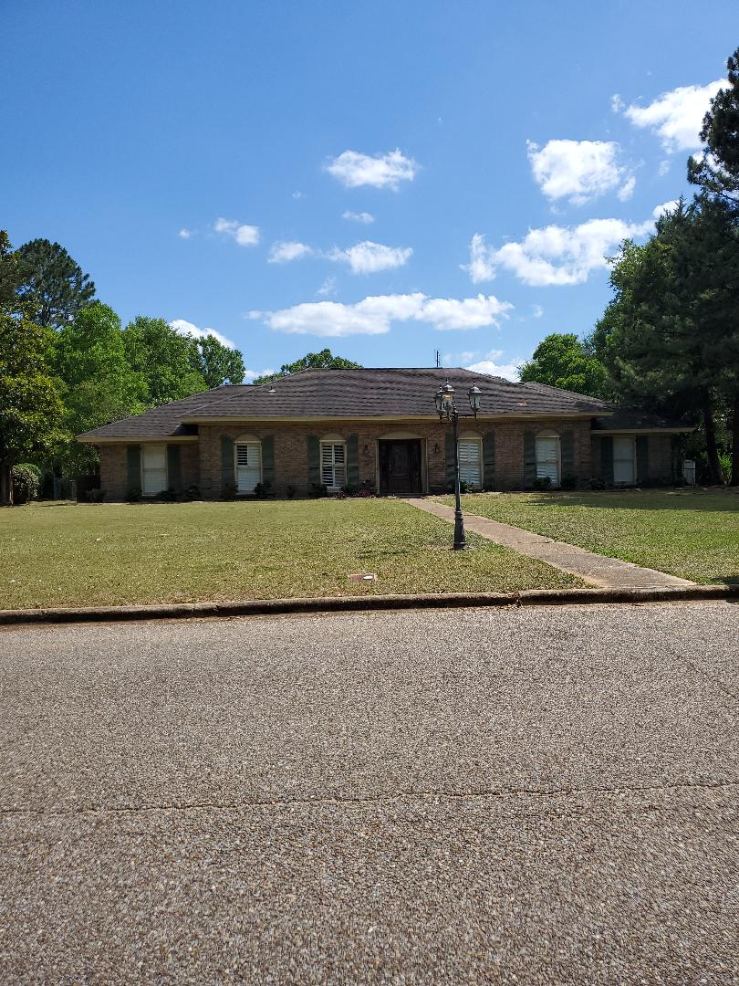Montgomery, AL - Residential roof and housewash bid