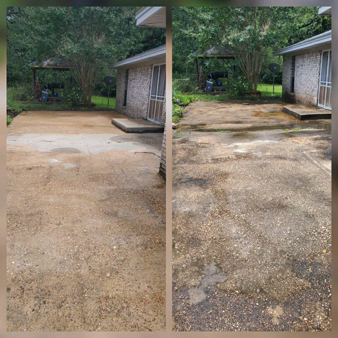 Prattville, AL - Patio pressure wash, softwash with a pretreat