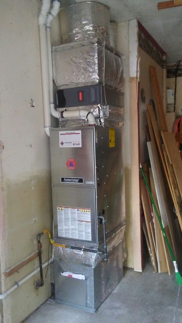 Lynnwood, WA - Installing high efficiency furnace