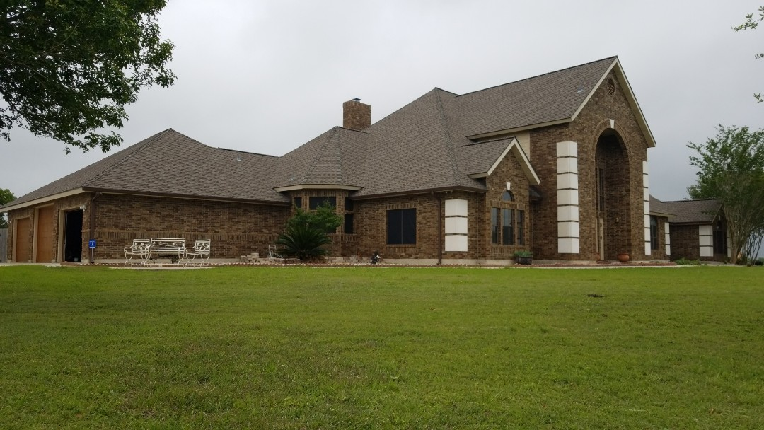 Saint Hedwig, TX - GAF Timberline HD Weathered Wood with Z Ridge
