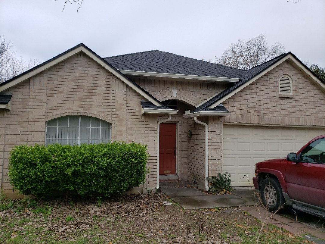 "San Antonio, TX - Nothing better to complement your roof than some 6"" seamless gutters!"