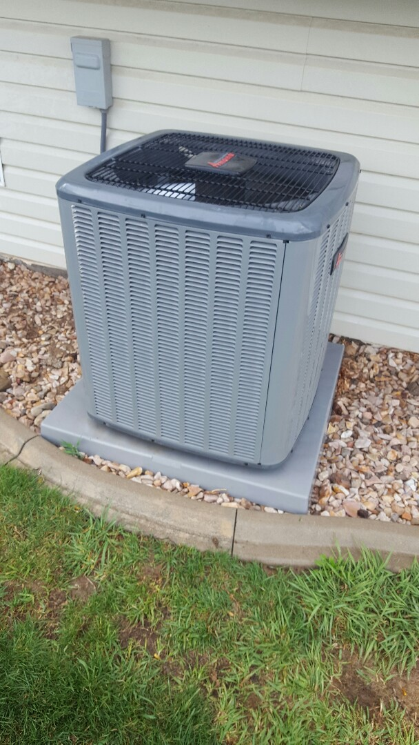 Spanish Fork, UT - Performed an a/c tuneup on an Amana air conditioner