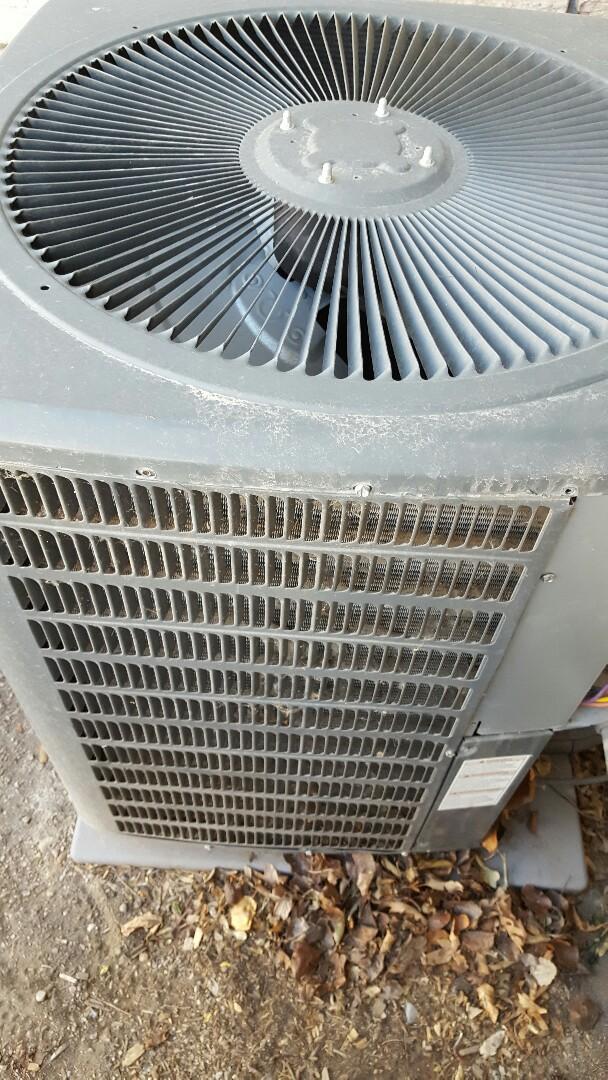 Pleasant Grove, UT - A/C tuneup on a Goodman air conditioner