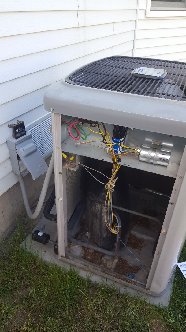 Murray, UT - Ac tuneup on a Carrier system while adding a compressor assist and a dual capacitor
