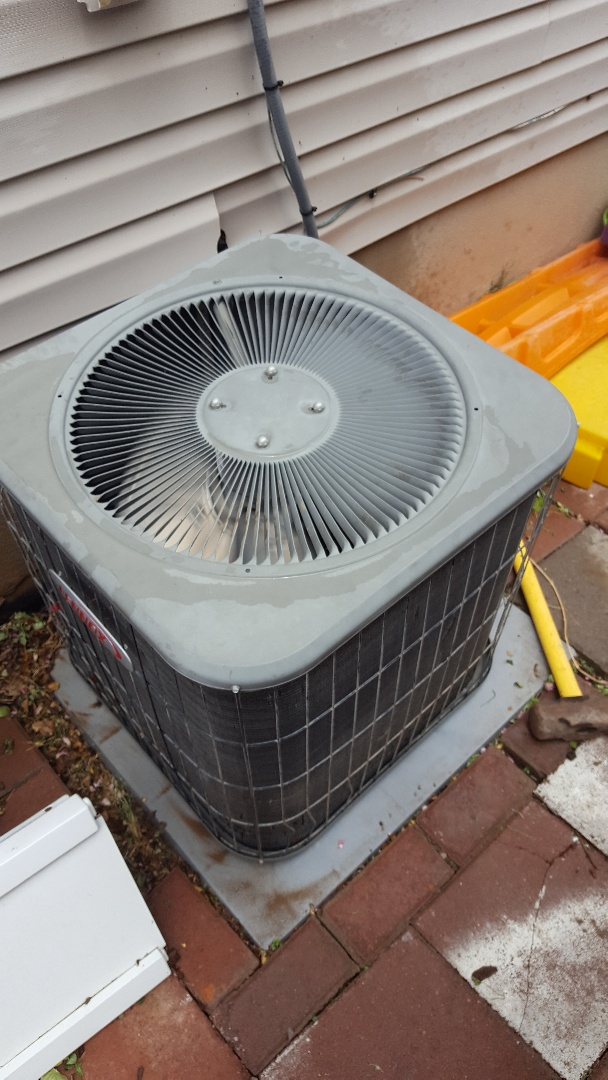 Eagle Mountain, UT - Ac tuneup on a Lennox air conditioner and replaced the filter