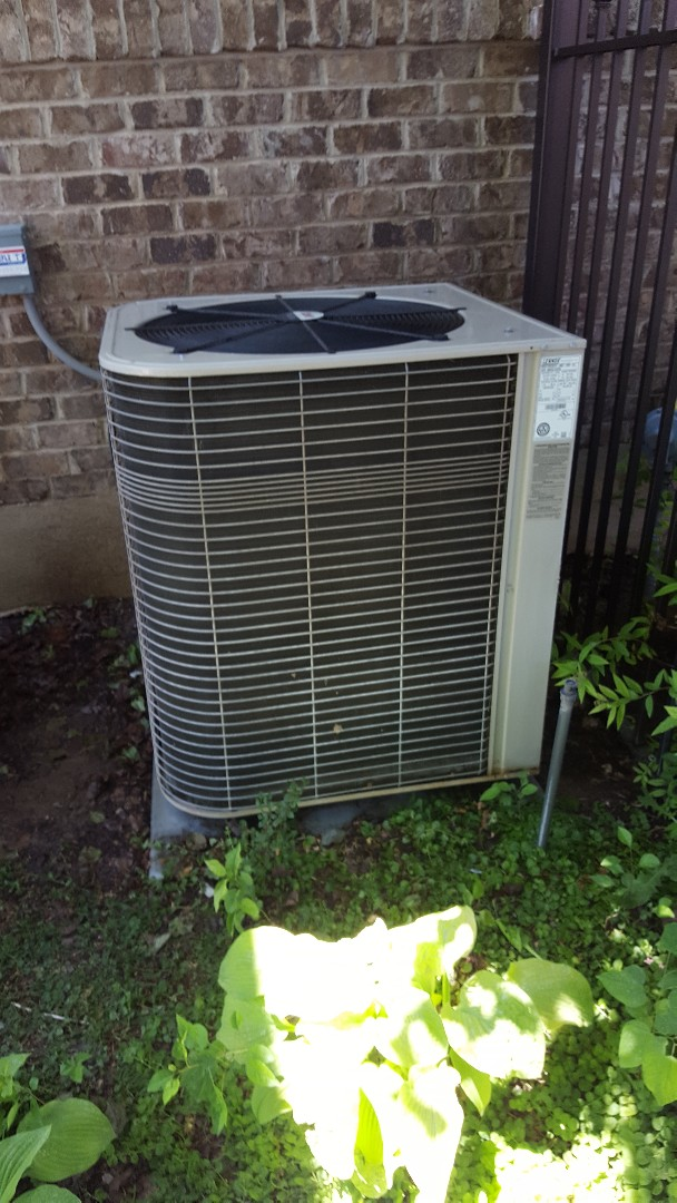 Salem, UT - Thirty point inspection performed on a Lennox air conditioner
