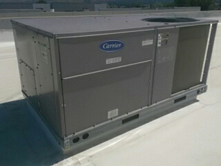 Lindon, UT - Carrier rooftop unit. Commercial filter change.