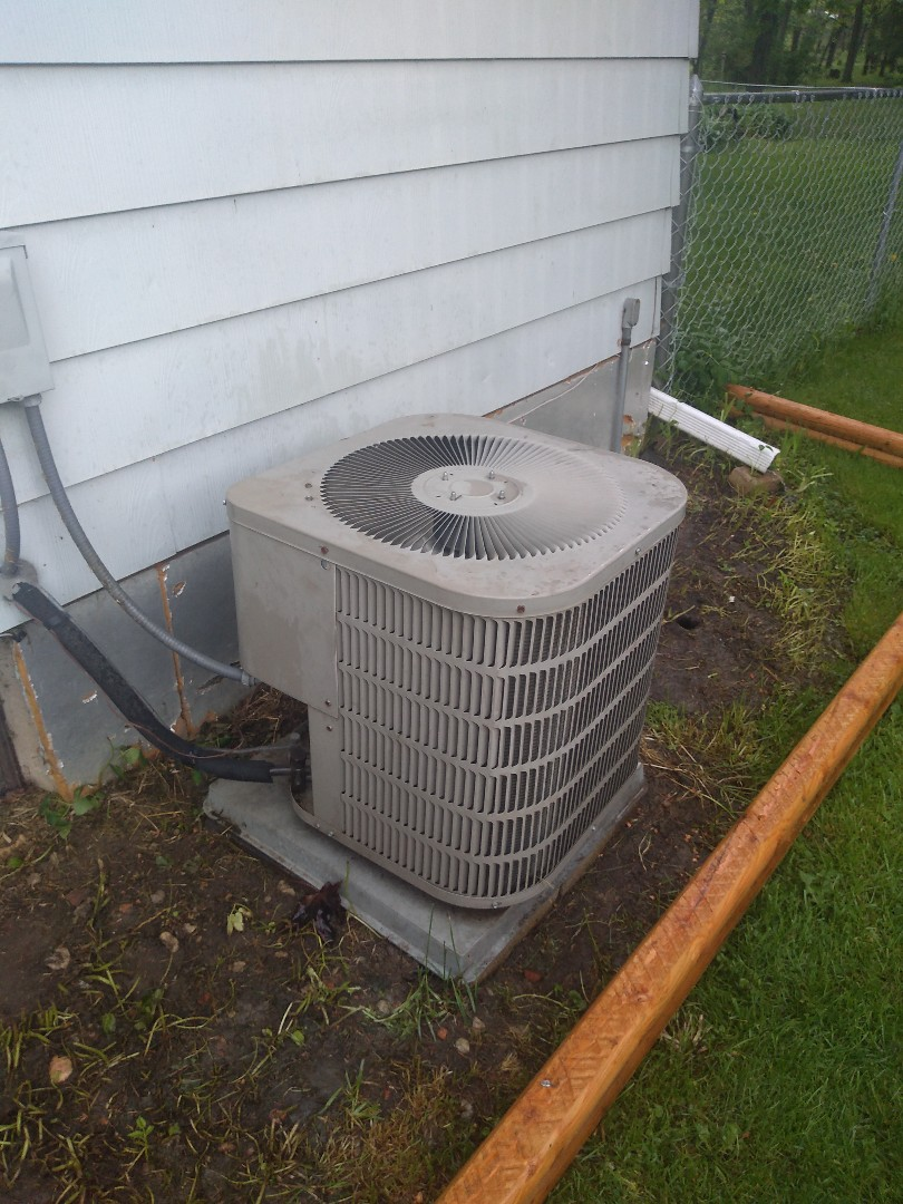 Sun Prairie, WI - Goodman air conditioning services and maintenance.