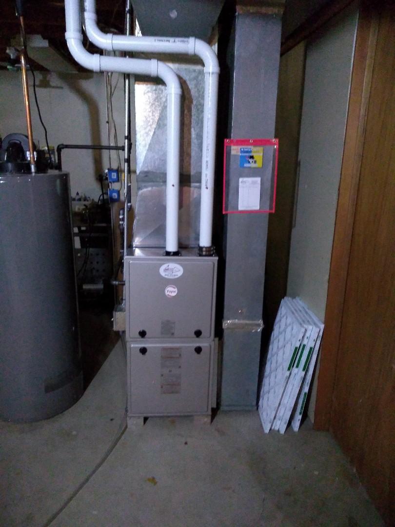Stoughton, WI - Furnace install Payne furnace..
