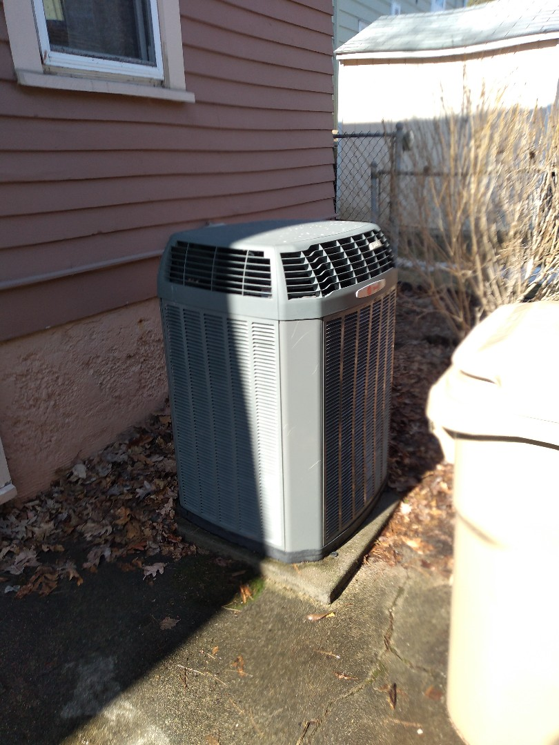 Madison, WI - Replacement of condenser fan motor.
