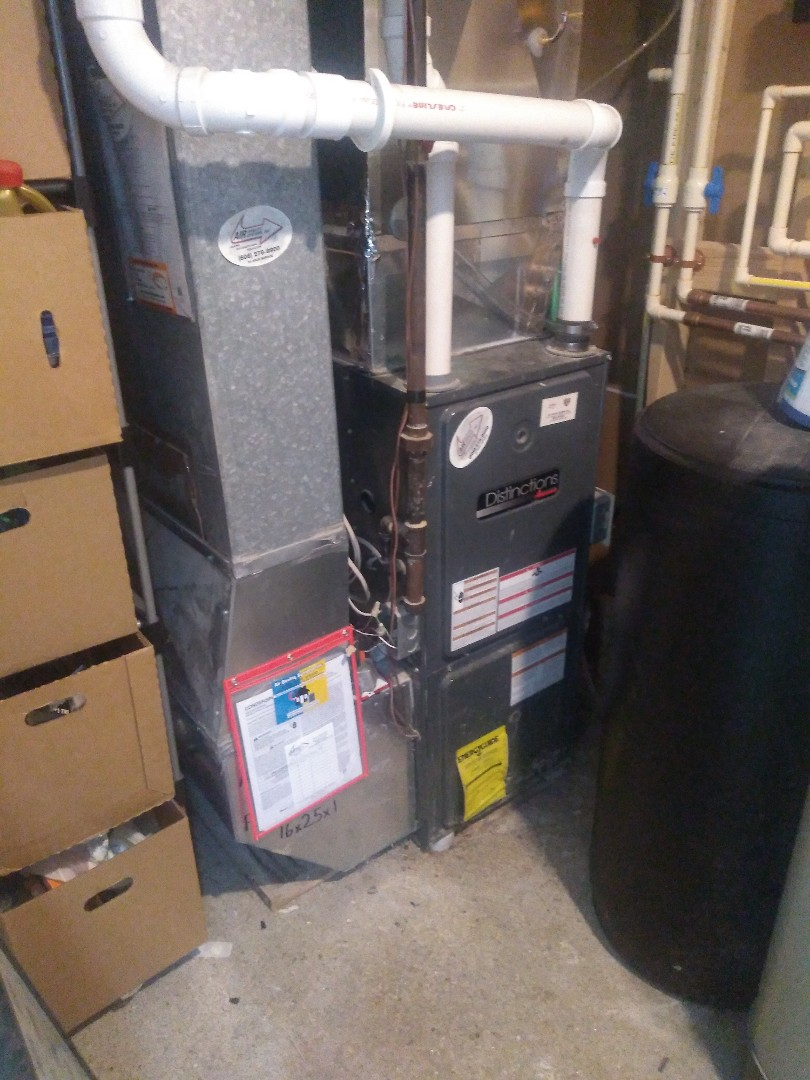 Madison, WI - Amana furnace clean and maintenance.