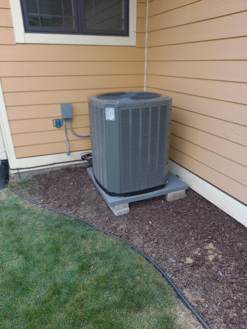 Verona, WI - Trane air conditioner install and Aprilaire Humidifier.