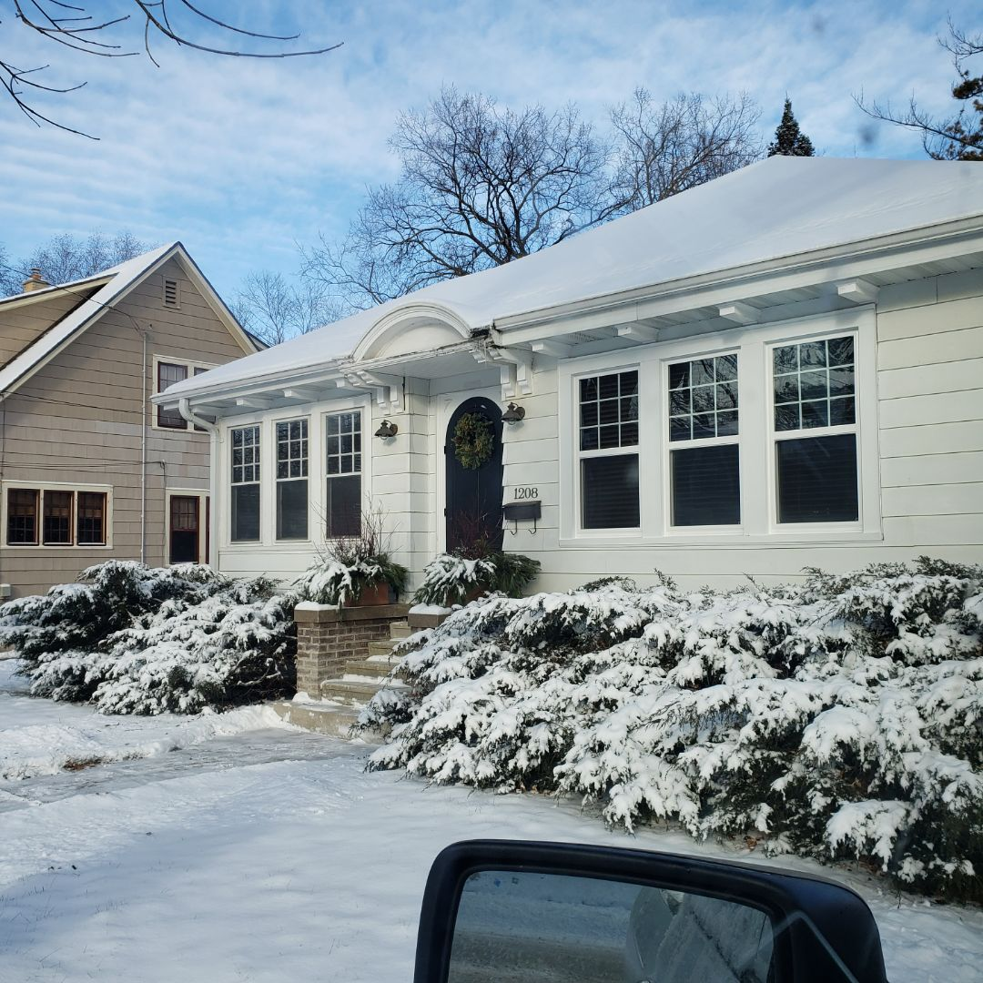 Oshkosh, WI - Beautiful Unlimited windows installed.  Quieter, warmer, and not drafty!!  Mission Accomplished!!