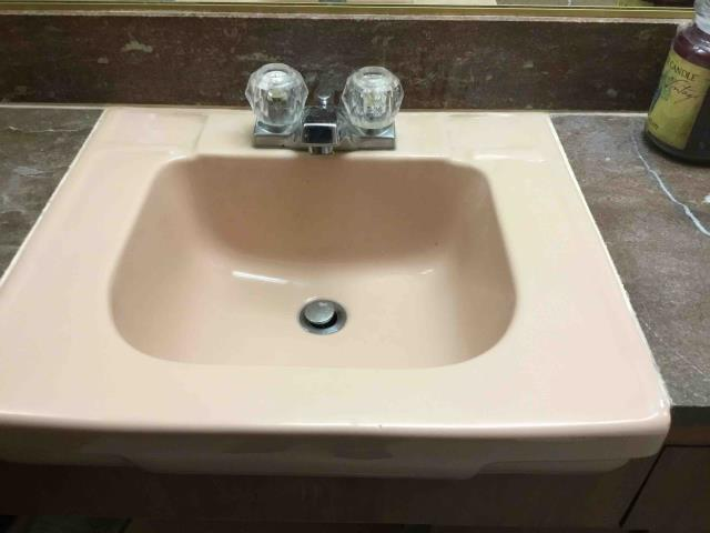 La Mirada, CA - Clear clogged master bathroom sinks through top of drain
