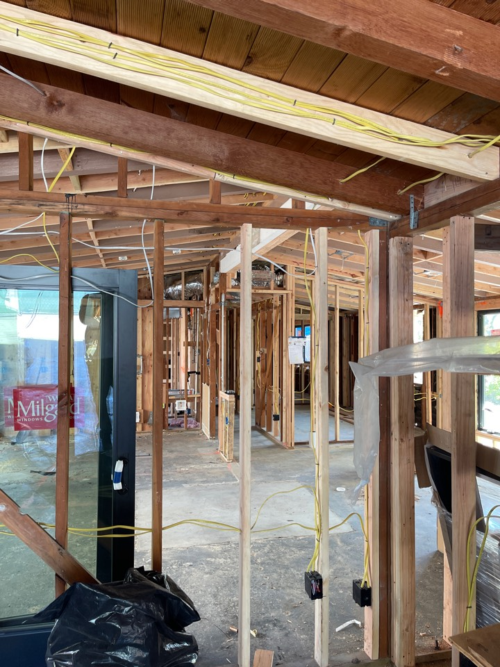 Sunnyvale, CA - New construction, installing all new R8 duct work and new high efficiency heating and cooling equipment.