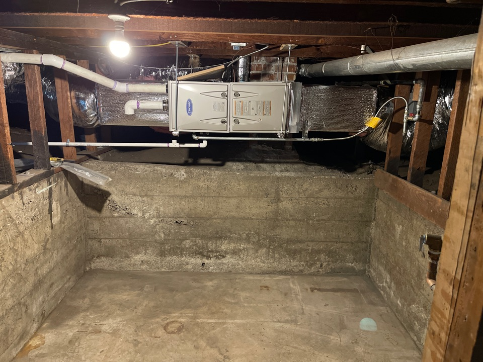 Alameda, CA - Removing floor heater and installing high efficiency Carrier furnace in crawlspace and all new duct work for tri-level house.