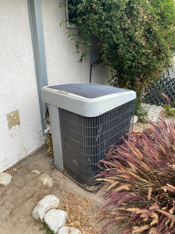 Chino, CA - Complete Day n Night 17 seer  4 ton Furnace and condenser change out.