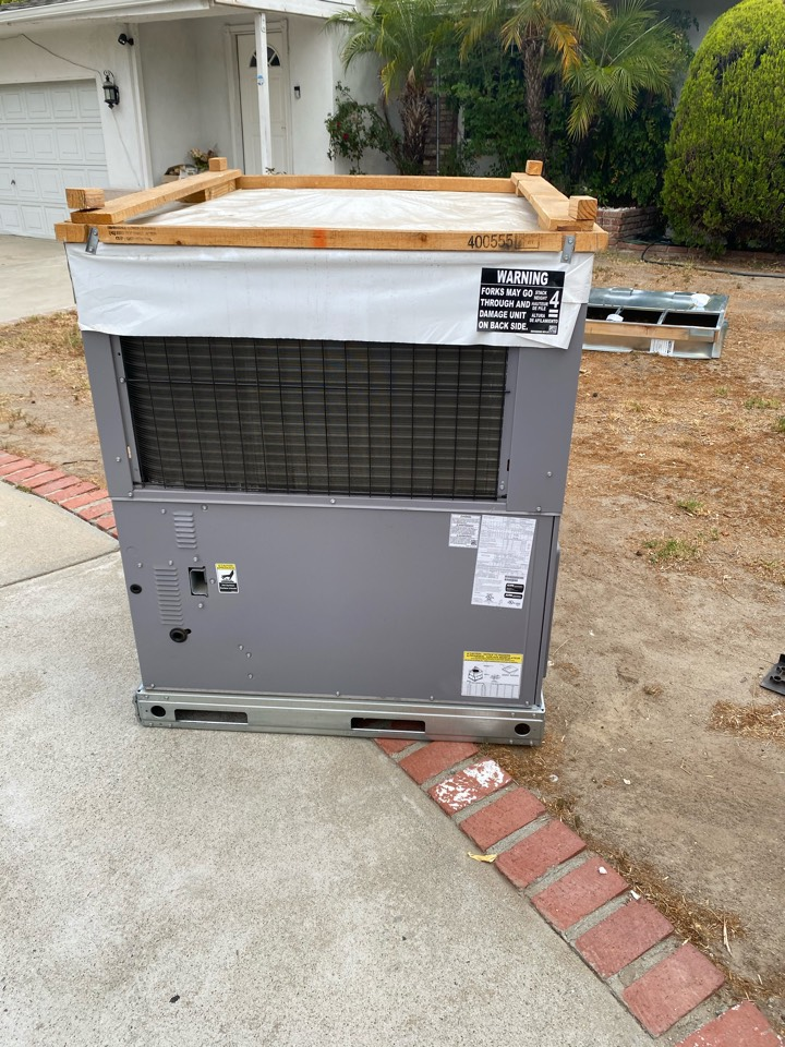 Los Angeles, CA - Package unit Install with Day N Night Products