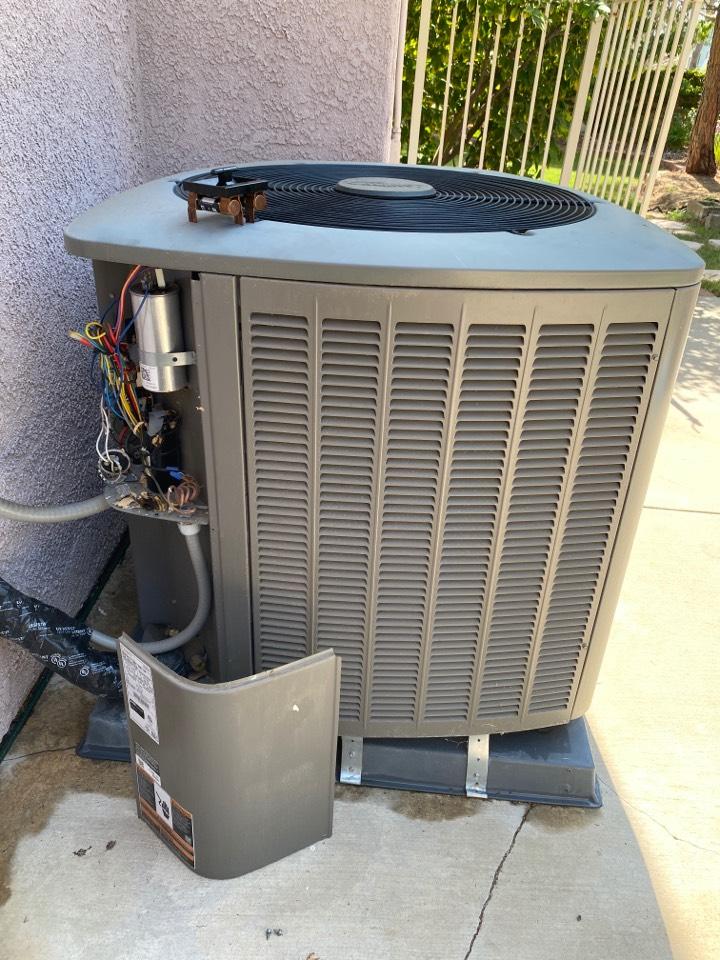 Santa Clarita, CA - 5 Ton Condenser Replacement
