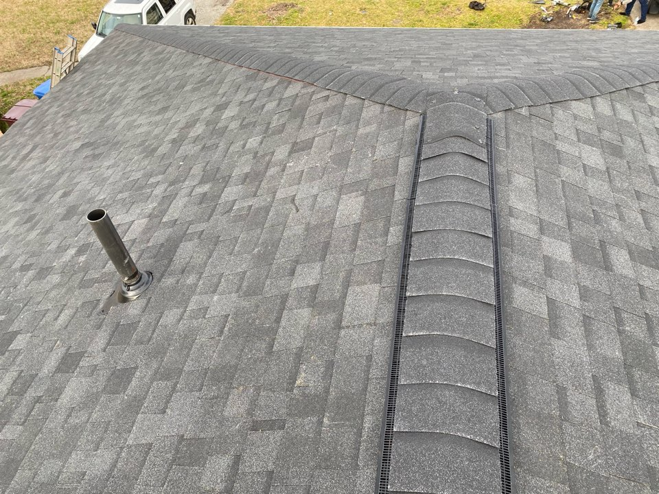 Chesapeake, VA - Just complete an other roof replacement with Owen Corning Ónix Black and prefer Warraty