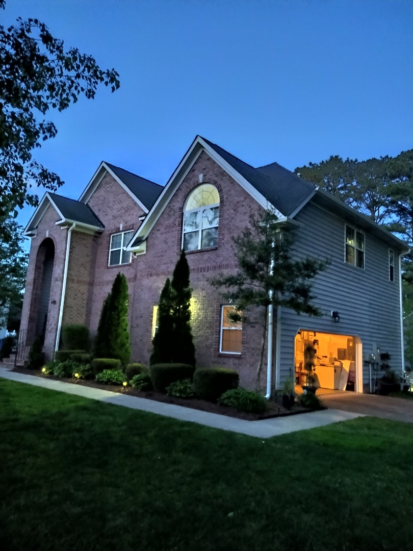 Chesapeake, VA - New gutters 5k seamless white colors with downspout 3x4 and gutters guard