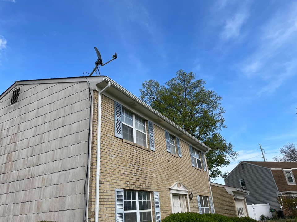 Virginia Beach, VA - Just completed a facial board repair and gutter installation