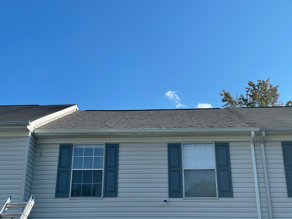 Hampton, VA - Just completed a new roof installation using Owens Conning Duration HD lifetime warranty color Driftwood with underlinement of U20 Felt Buster High Traction synthetic roofing felt and cobra rigidvent3 for more air air flow in the house