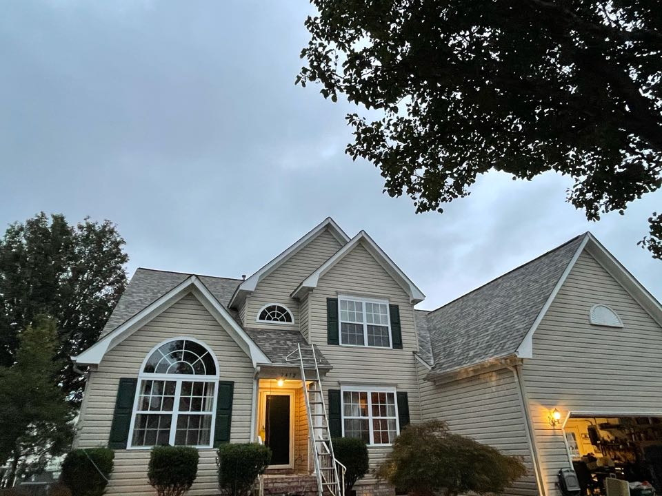 Virginia Beach, VA - Just completed a new roof installation using Owens Conning Duration HD lifetime warranty color Sand dune  with underlinement of U20 Felt Buster High Traction synthetic roofing felt and cobra rigidvent3 for more air air flow in the house