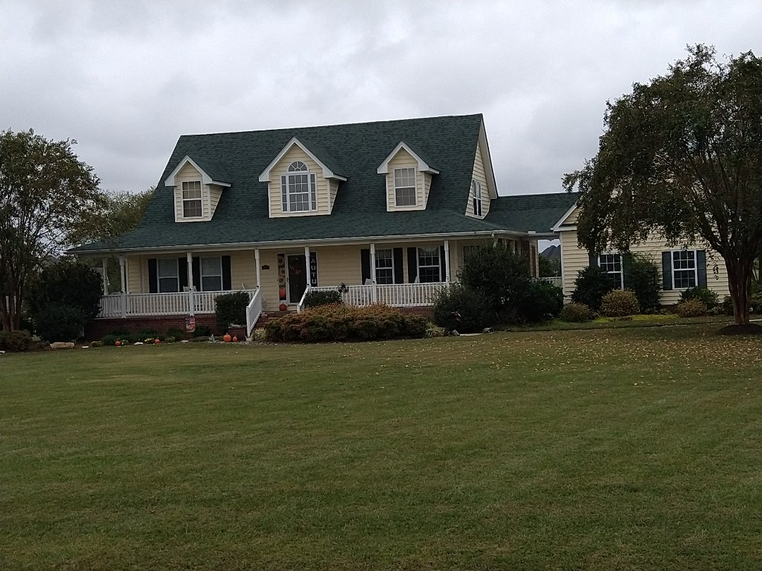 Moyock, NC - pressure washing throughout the home and garages