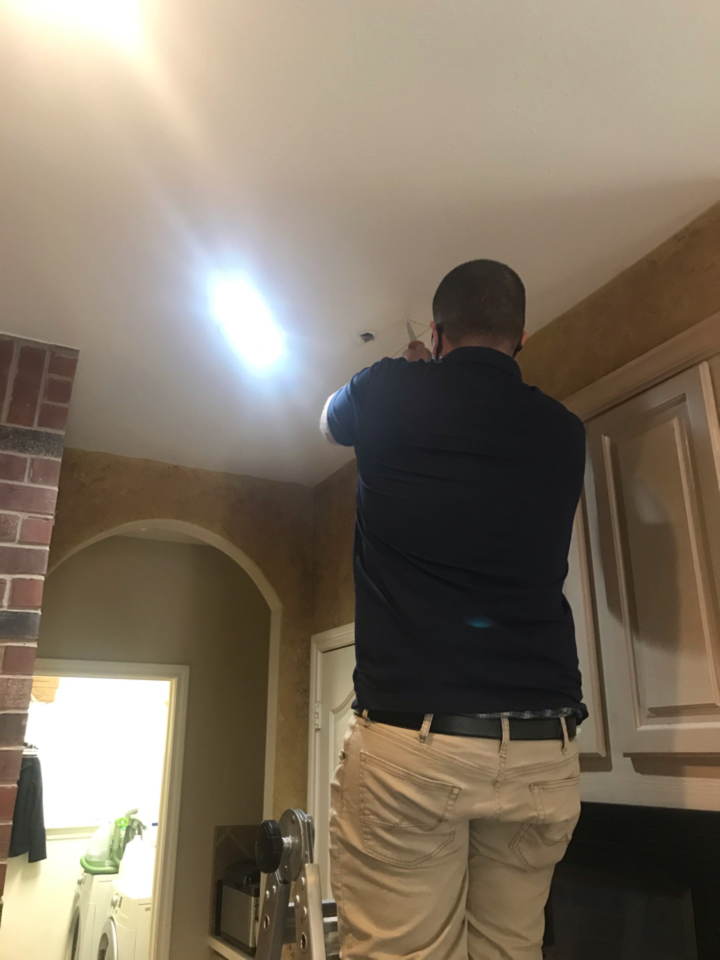 League City, TX - Leak in cpvc in ceiling possibly do to freeze. League city
