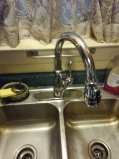 Byhalia, MS - Install new kitchen sink faucet