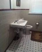 Memphis, TN - Unstopped sink drain in bathroom