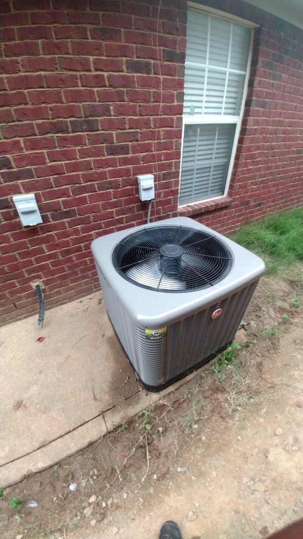 Southaven, MS - Install 4 Ton Coil and Condenser