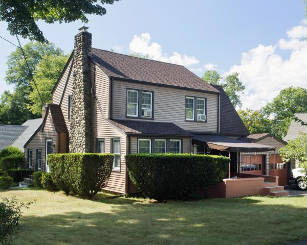 Greenwich, CT - GAF Timberline HD architectural roof in Hickory