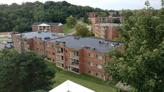 Cincinnati, OH - great over view of a Commercial Epdm install we just completed. this is a mechanically fastened epdm system.
