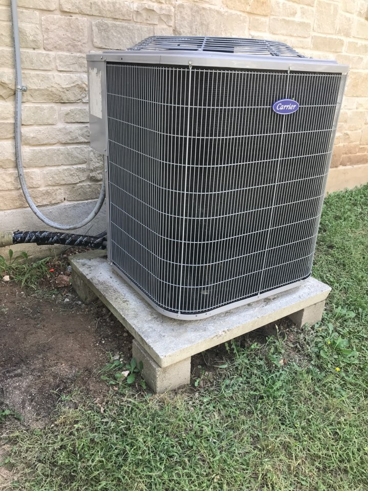 Wimberley, TX - Outdoor unit not turning on