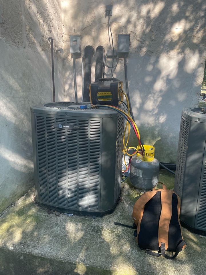 San Marcos, TX - Replacing a Trane AC system with a Carrier in Willow Creek Subdivision