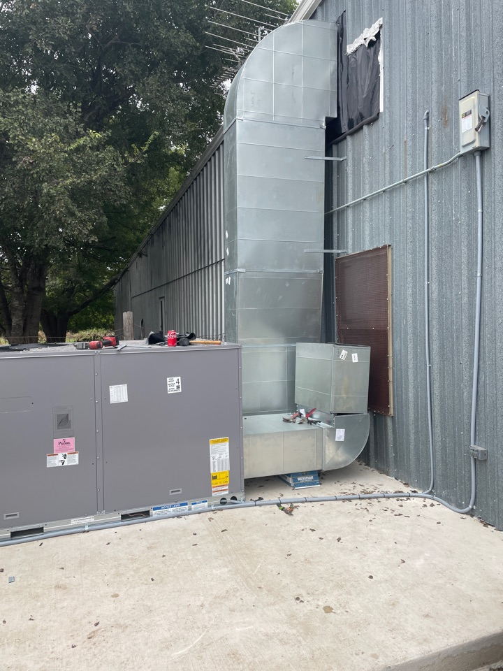 New Braunfels, TX - carrier install with duct installation