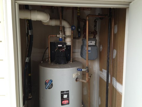Burke, VA - This morning was an estimate on a complete heating and air-conditioning system, with Hydronic furnace coils though Bradford white 50 gallon hot water heater.