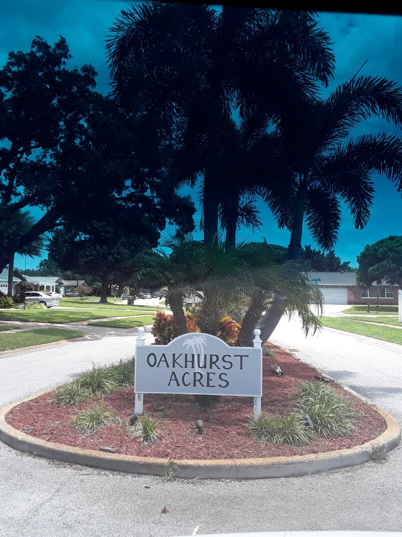 Seminole, FL - In the Oakhurst Acres subdivision doing Furniture Cleaning 2 Recliners and a Sofa.