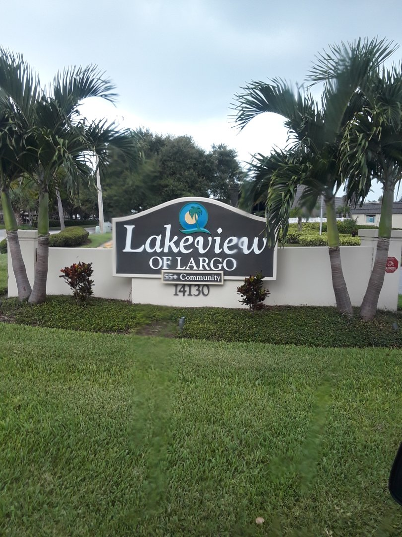 Largo, FL - Last job of the day at Lakeview Of Largo Condominiums. Tile and Grout Cleaning the entire three bedroom unit. We enjoy seeing the dramatic results Cleaning Tile floors.