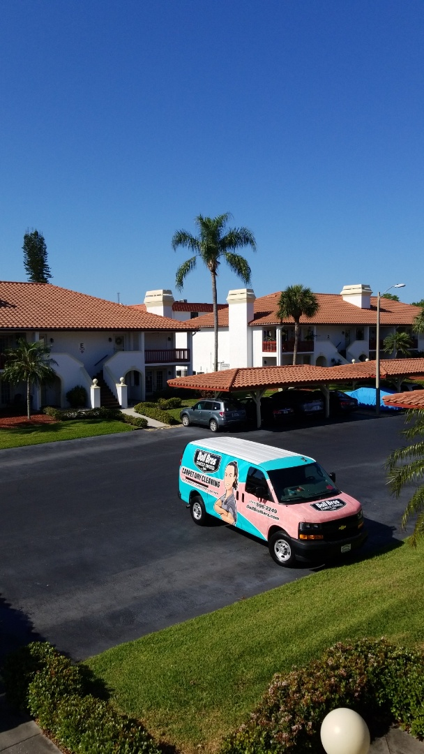 Seminole, FL - This is a repeat custmer odours, we are Upholstery Cleaning and Carpet Cleaning on this trip.