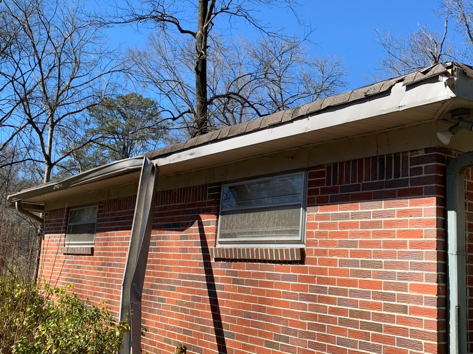 Vestavia Hills, AL - Measured to replace dimensional shingle roof and replace 6 inch gutters.