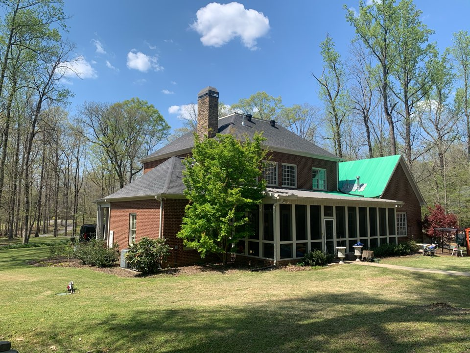 Leeds, AL - Measured to replace dimensional roof.