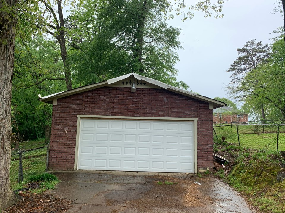 Center Point, AL - Measured to replace damaged garage roof.