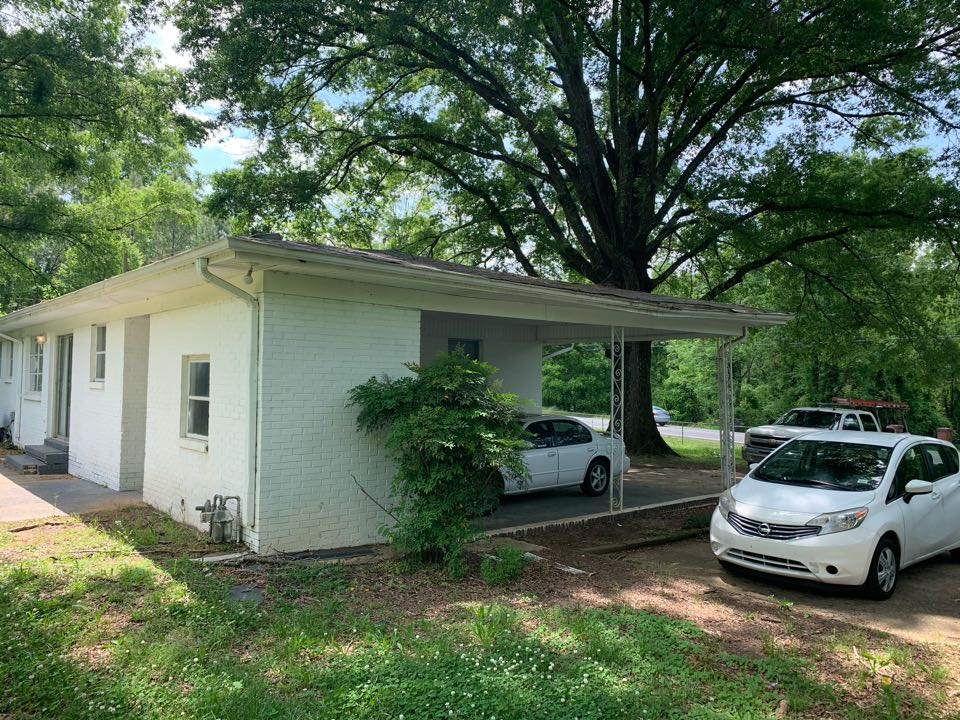 Center Point, AL - Measured to replace leaking gutters.