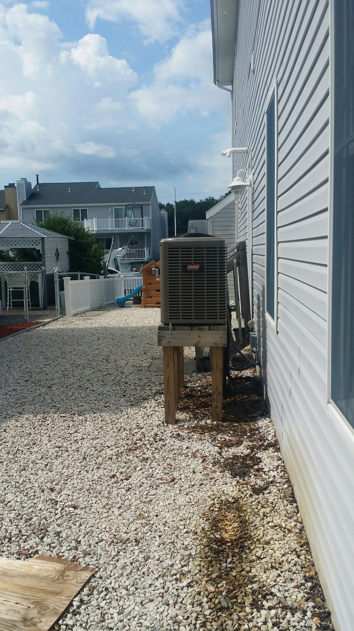 Brick, NJ - Coleman r22 air conditioner not working. System low on refrigerant, recharge ac system in Brick NJ
