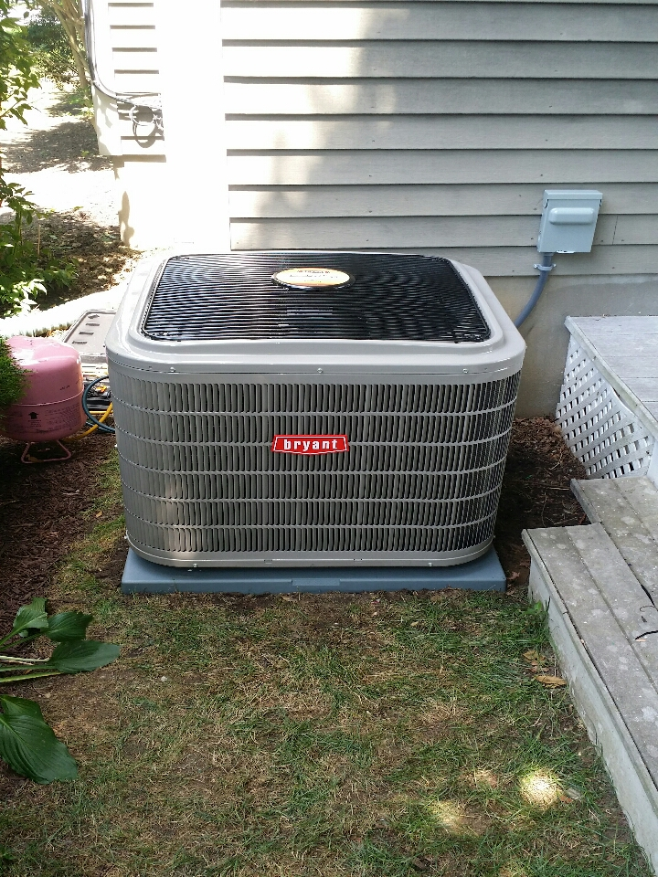 Manasquan, NJ - Install new central air conditioner. Install new Bryant Evolution air conditioner in Manasquan NJ